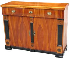 Love Biedermeier furniture! South German Biedermeier sideboard in cherrywood on pine, made before 1820
