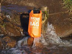 Super leichte und 100% wasserdichte Tasche für Rafting, Outdoor, Wandern, Jagd, Strand und im Altag. Perfekt für den Schutz für Han Die drybag-Tasche bietet den perfekten Schutz für Handys und Wertsachen und hat ein Volumen von 5L.