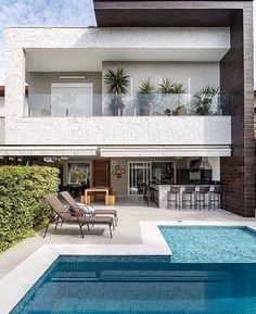 gorgeous backyard pool ideas with inground landscaping design 22 House Front Design, Modern House Design, Contemporary Design, Home Interior Design, Exterior Design, Interior Ideas, Future House, My House, House Goals