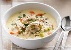 Густой сливочный суп с курицей.