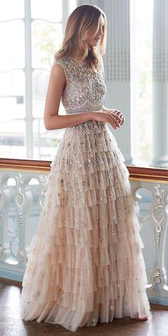 In this article we collected unique wedding gowns. We submit fashion forward wedding dresses a variety of fabrics, diffrent styles. Unique Wedding Gowns, Dresses To Wear To A Wedding, Wedding Dress Styles, Wedding Bride, Lace Wedding, Elegant Dresses, Pretty Dresses, Casual Dresses, Fashion Dresses