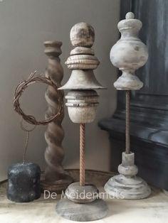 """Ik heb twee ornamentjes gemaakt of sjiek gezegd twee """"Statues"""".   Ik was geinspireerd door de blog en het you tube filmpje van """"Onder de be..."""