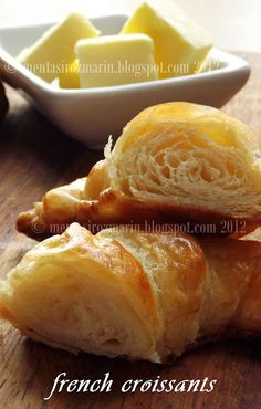 Nothing better than a fresh french croissant! Baking Muffins, Bread Baking, Croissants, French Croissant, Baked Rolls, Good Food, Yummy Food, French Pastries, Rolls Recipe