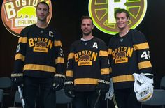 Alright Boston, I see what you did there… and I like it. The Boston Bruins unveiled their new 2016 NHL Winter Classic outdoor game uniform earlier today at a season ticket holder event, the jersey is based heavily off […] Boston Bruins Players, Boston Bruins Hockey, Hockey Players, Classic 2016, Sport 2, 2016 Winter, American Sports, National Hockey League, A Team
