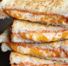You wish to eat extraordinary croque-monsieur? These 7 recipes provides you with critically hungry! You wish to eat extraordinary croque-monsieur? These 7 recipes provides you with severe starvation! Healthy Breakfast Recipes, Lunch Recipes, Crockpot Recipes, Cooking Recipes, Hamburger Recipes, Sandwich Recipes, Mozzarella, Food Porn, Good Food