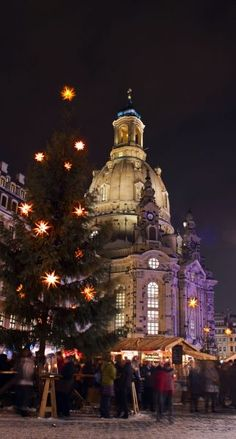 Christmas Market in Dresden, Germany   25 Impressive photos of Christmas celebrations around the World. #17 Is Awesome!