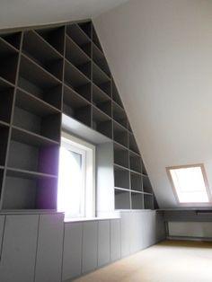 Verkoopstyling tip 7: geef de Berging/schuur/zolder een duidelijke functie bijvoorbeeld zoals die van een ruime opbergruimte of wasruimte.