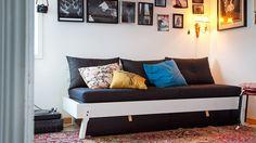 [IKEA PS 2012  Dagbädd med låda, madrass och kuddar ]