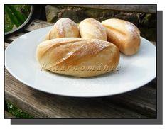 Francouzské mléčné houstičky Bread Recipes, Sweet Recipes, Hamburger, Baking, Food, Breads, Basket, Bread Rolls, Bakken
