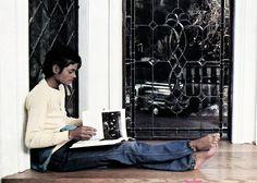 MJ relaxing
