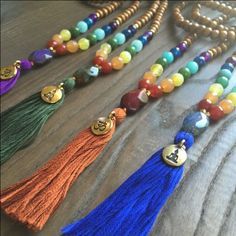 A simple and sweet crescent moon necklace to add to your everyday collection. The tiny moon pendant will give a darling and subtle touch to any outfit. Yellow Gold or Rose Gold plating over brass. The chain of the necklace is 15 inches long in total Tassel Jewelry, Gypsy Jewelry, Yoga Jewelry, Diy Jewelry, Beaded Jewelry, Handmade Jewelry, Jewelry Design, Jewelry Making, Beaded Bracelets