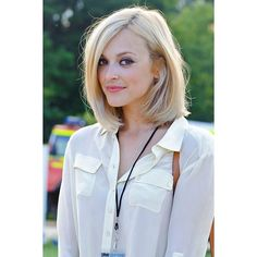 Fearne Cotton's blonde shoulder-length bob