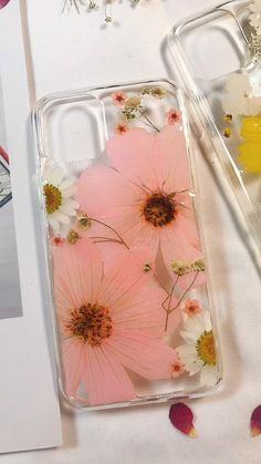 Hand pressed flower case, crystal clear phone case, dried flower case, real flower case, iPhone x 6 7 8 Plus X Xr Xs 11 Pro Max case Diy Resin Art, Epoxy Resin Art, Diy Resin Crafts, Diy Crafts Hacks, Diy Arts And Crafts, Ice Resin, Diy Projects, Diy Resin Phone Case, Dried Flowers