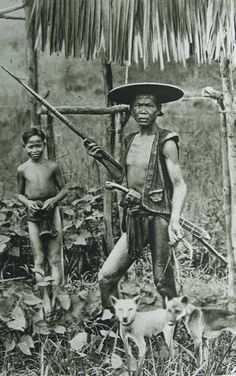 old-indische: Nias Warrior Old Pictures, Old Photos, Vintage Photos, Philippines Culture, Philippines Dress, Filipino Culture, Filipino Art, Filipino Tattoos, Indonesian Art