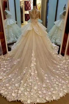 Wedding dress train - Lace Appliqued And Flowers Chapel Train Pretty Ball Gown Wedding Dresses – Wedding dress train Black Wedding Guest Dresses, Cheap Lace Wedding Dresses, How To Dress For A Wedding, Wedding Dress Train, Dream Wedding Dresses, Wedding Gowns, Prom Dresses, Modest Wedding, Dress Prom