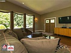 35410 NE CORRAL CREEK RD Newberg, OR 97132  #PDXHomes #HomeInteriors #PDXHomeListings