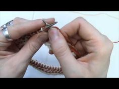 How-To: Knit a Braid   Berroco-Horizontal braid-I just may have to give this a try. Seems a bit fiddly, but nice effect.
