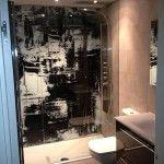 Vinilos y fotomurales. Decoración paredes y habitaciones. #decoración de baño con cristal con impresión.