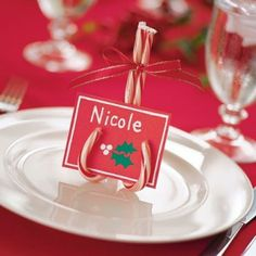 20 Cute Holiday and Christmas Place Card Holders ⋆ BrassLook Christmas Place Cards, Christmas Table Settings, Noel Christmas, All Things Christmas, Winter Christmas, Diy Christmas Seating Cards, Scandinavian Christmas, Christmas Candy, Christmas Dinner Tables