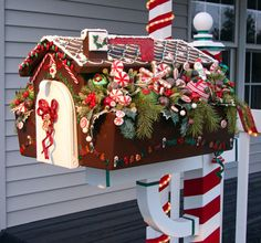 Make Your Mailman Smile With a Holiday Mailbox --> http://www.hgtvgardens.com/decorating/19-unique-mailboxes-designs?s=19&soc=pinterest