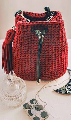 This Year Awesome Crochet Bag Pattern Ideas - Page 21 of 45 - Women Crochet! Bag Pattern Free, Bag Patterns To Sew, Crochet Blanket Patterns, Pattern Ideas, Crochet Backpack, Backpack Pattern, Crochet Handbags, Crochet Bags, Easy Crochet
