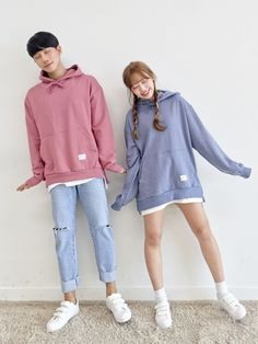 Korean Couple Fashion Outfits ideas for couples ♥ . - Clothes - Sour Source by EnaClothes ideas korean Korean Couple Fashion, Korean Street Fashion, Asian Fashion, Fashion Black, Style Ulzzang, Mode Ulzzang, Ulzzang Fashion, Korean Ulzzang, Couples Assortis