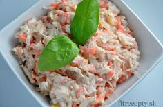 You will eliminate the cravings for something easy and healthy, but original and tasty at the same time with this fit tuna salad with sauerkraut, carrot and apple recipe. Sauerkraut, Healthy Tuna Salad, South Beach Diet, Cooking Recipes, Healthy Recipes, Mets, Apple Recipes, Risotto, Cravings