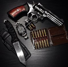 Revolver, guns, weapons, self defense, protection, protect, knifes, concealed, 2nd amendment, america, 'merica, firearms, caliber, ammo, shells, ammunition, bore, bullets, munitions #guns #weapons