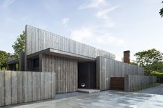 Image 1 of 17 from gallery of Elizabeth II / Bates Masi Architects. Photograph by Bates Masi Architects Architecture Durable, Innovative Architecture, Wood Architecture, Sustainable Architecture, Residential Architecture, Modern Architects, Wood Siding, Wood Cladding, Cedar Siding