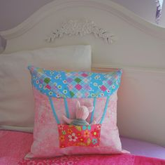 Hot Air Balloon Pocket Pillow - Tutorial and PDF pattern on the blog!