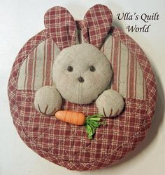 Ulla's Quilt World: Quilted rabbit pouch 2, Japanese patchwork    Quilt bags So pretty! Hugs, Ulla's Quilt World