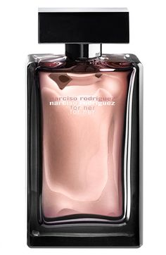 'For Her Musc Intense' is a sensual interpretation of Narciso Rodriguez's original musc oil—the ultimate expression of luxury. A seductive scent built around a heart of musk, enlightened by a bouquet of white flowers.  Notes: jasmine, orange blossom, osmanthus, honey, ylang-ylang, vetiver, woods, amber, solar musk, vanilla.
