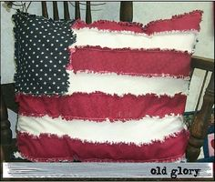 American flag pillow patriotic...I'd like to make this, but a bit smaller.