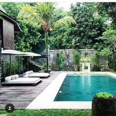 These dreamy swimming pool design ideas will transform your backyard into an outdoor oasis. Swiming Pool, Small Swimming Pools, Luxury Swimming Pools, Above Ground Swimming Pools, Swimming Pools Backyard, Swimming Pool Designs, Small Pools, Tulum, Resort Bali