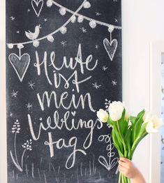 lettering is A wonderful Motto! Lettering Chalk Spell Spring Chalk A Art blackboard Chalk art Chalk lettering Motto Spell Spring wonderful Chalkboard Wall Bedroom, Blackboard Chalk, Chalkboard Lettering, Chalk Art, Drawing Themes, Drawing Letters, Sidewalk Chalk, Letter Wall, Blackboards