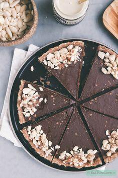 Chocolate Desserts, Vegan Desserts, Just Desserts, Vegan Recipes, No Bake Snacks, Vegan Christmas, Happy Foods, Vegan Cake, Healthy Sweets