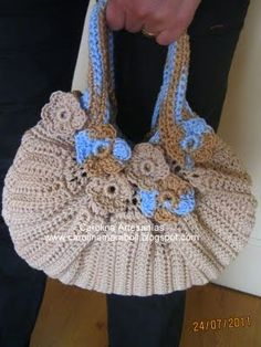 Crafts Showcase Carolina (store): 202. - Handwoven bag, Crochet, beige / blue, lined