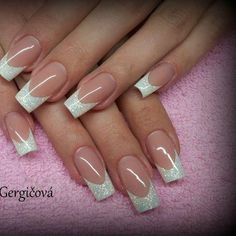 Elegant yet sexy; there's a lot more to clear nails than what meets the eye. French Acrylic Nails, French Manicure Nails, French Tip Nails, Acrylic Nail Designs, Nail Art Designs, Gel Nails, Clear Nails, French Tips, Bridal Nails