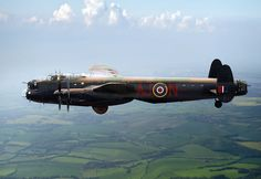 Dambusters Lancaster AJ-N: A specially adapted Lancaster bomber - Type Ww2 Aircraft, Military Aircraft, Lancaster Bomber, Aircraft Painting, Ww2 Planes, Battle Of Britain, Nose Art, Royal Air Force, Aviation Art
