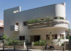 Avraham Soskin House, 12 Lilienblum Street by Zeev Rechter, 1933 l  10 of Tel Aviv's best examples of Bauhaus residential architecture