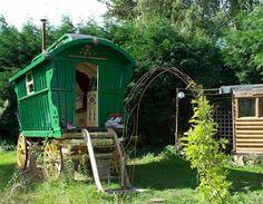 Alde Garden, Sweffling, Suffolk (© Cool Camping Britain)