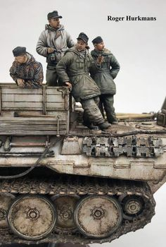 Military Figures, Military Diorama, Panzer Iv, Tiger Ii, Model Tanks, Ardennes, Military Modelling, Figure Painting, Hobbies And Crafts