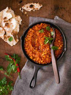 Červenočočkový dhal s cizrnou Great Recipes, Vegan Recipes, Dhal, Chana Masala, Curry, Food And Drink, Low Carb, Healthy, Ethnic Recipes