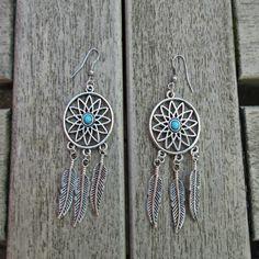 Dreamcatcher oorbellen van Tibetaans zilver. € 3.95