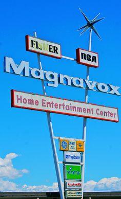 Magnavox sign, Wenatchee