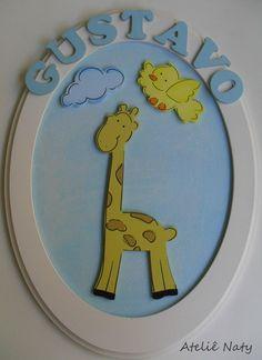 Enfeite de porta oval com bichinhos  Vários bichinhos:  GIrafa / Macaco / Elefante / Leão / Zebra  Cada letra: 0,40 R$50,00