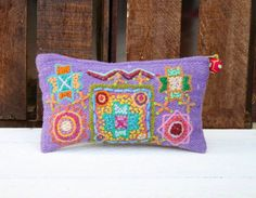 #Peruvian full colored #pouch #kaniarts #ayacucho #peru #handmade #crafts #embroidery