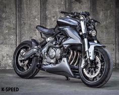 K-Speed Benelli TNT 600 Streetfighter. Oh yea we love the styling and aggressive look.