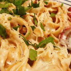 Creamy shrimp and bacon carbonara pasta
