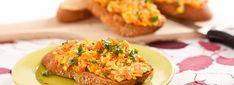 Mrkvová tofu pomazánka   Svet zdravia Tofu, Salmon Burgers, Baked Potato, Potatoes, Baking, Ethnic Recipes, Turmeric, Potato, Bakken